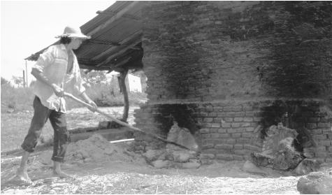 A brick kiln. The towns of Aregua and Tobatí both produce ceramic and clay work.