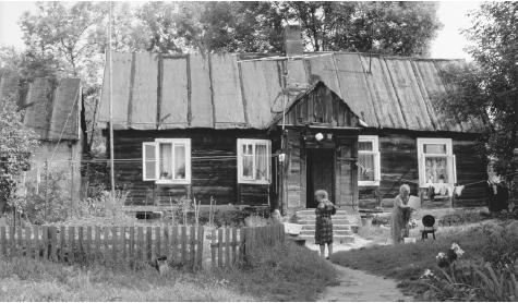 A wooden house in Czerwinsk.