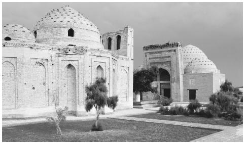 Ancient Islamic buildings in Türkmenistan. Few mosques were open during the Soviet period.